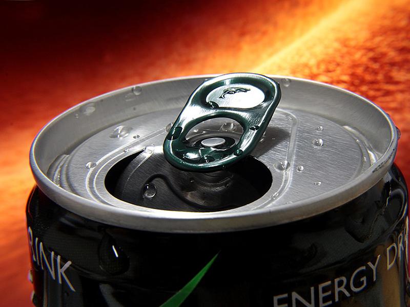 Energiaital káros hatásai: ezért ne idd üdítő helyett, és a gyereknek se add! - Sokkal rosszabb, mint a kávé, mondja a szakorvos