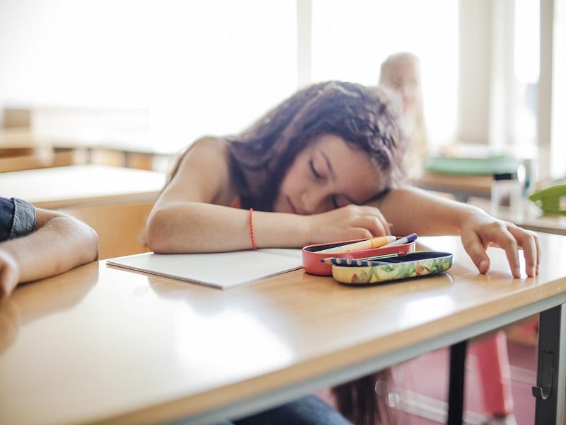 Alvászavar gyerekeknél - Honnan tudhatod, hogy a gyermeked túl keveset alszik? Mik az alvászavar okai, következményei?