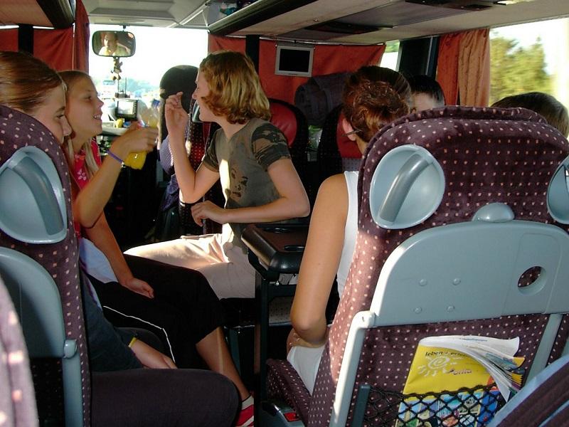 Így szigorodnak az iskolai buszos kirándulások szabályai 2018-tól! 4 fontos változás, hogy megelőzzék a tragédiákat