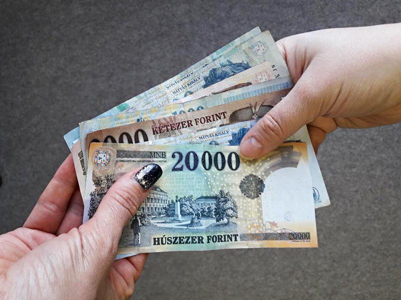 9 millió forintot csalt ki diákjaiból egy kecskeméti tanárnő! Kirándulásra szedett pénzt, de megtartotta magának
