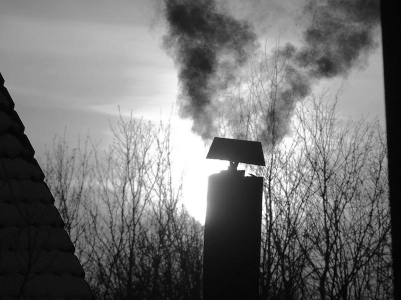 Szén-monoxid-mérgezés: meghalt egy 12 éves kisfiú egy eldugult kémény miatt! - Hiába próbálták újraéleszteni