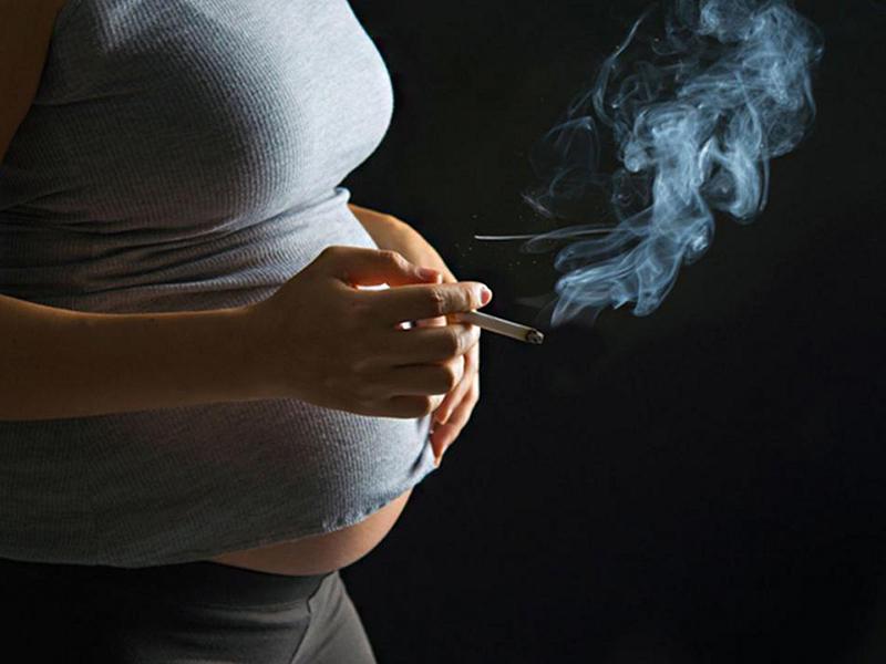 Terhesség alatti dohányzás - még durvábban károsítja a magzatot a dohányfüst, mint eddig hitték!