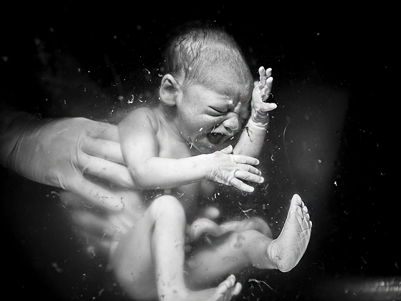 Az Év szülésfotója 2018: 20 gyönyörű fotó a szülés és születés csodájáról! - Ezeket díjazta idén a zsűri és a szavazóközönség