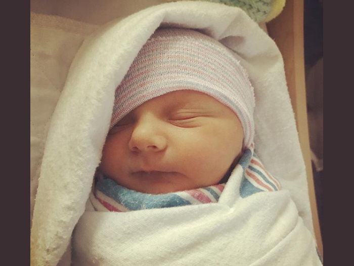 Élő adásban szülte meg kisbabáját a rádiós műsorvezető! - Nézd, milyen aranyos fotók készültek a kisfiúról