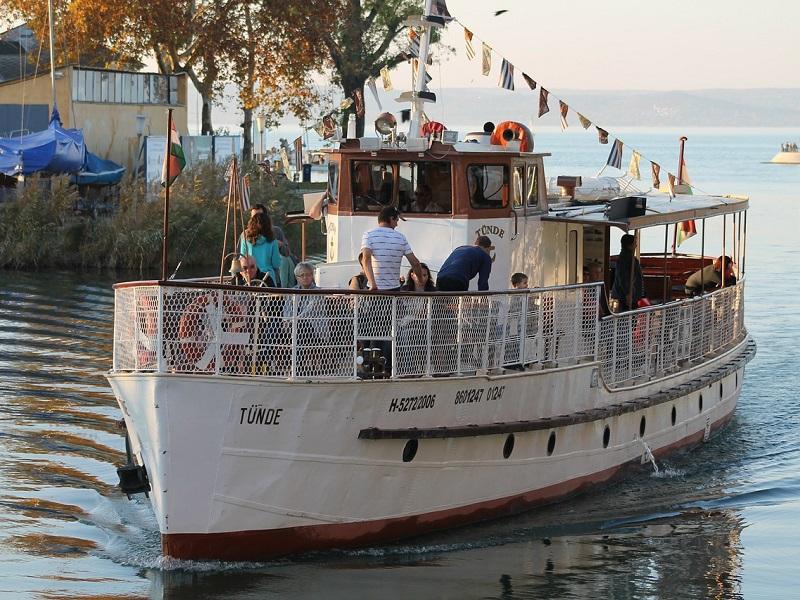 Programok a Balatonnál egész évben - egy helyen a balatoni kirándulási lehetőségek, rendezvények, fesztiválok