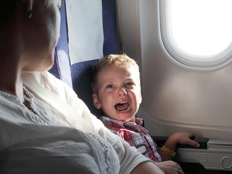 Így készülj a repülőútra, ha kisgyermekkel mész - 13 fontos dolog, amire figyelj oda, hogy ne legyen rémálom a repülés