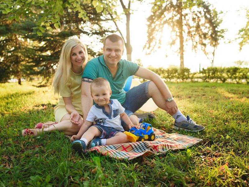 Szülő-gyerek kapcsolat erősítése: így kerülhetsz közelebb a gyermekedhez a családi nyaralás alatt