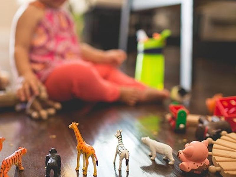 Egy zseniálisan egyszerű rendrakási praktika kisgyerekes szülőknek! Így tehetsz rendet percek alatt