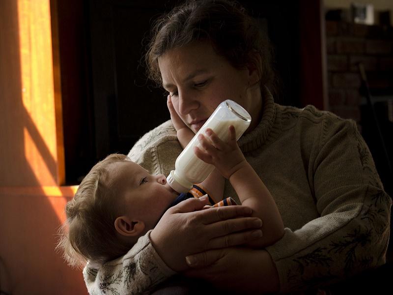 Döglött rovart találtak az egyik bébitápszerben - Ha ebből a tápszerből vettél, ne adj a gyermekednek belőle!