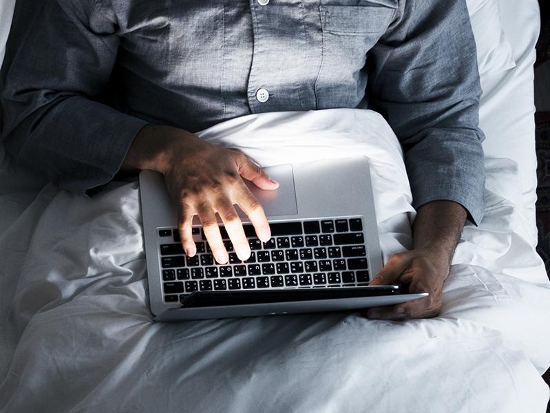 Tininek adta ki magát a 31 éves budapesti férfi egy közösségi oldalon - Most gyermekpornográfia és szexuális kényszerítés miatt ítélték el