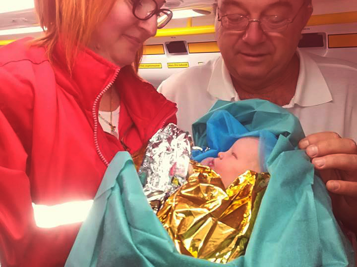Nem bírta ki a kórházig: Otthon született meg a kisfiú a mentők segítségével! - Fotó is készült a tündéri újszülöttről