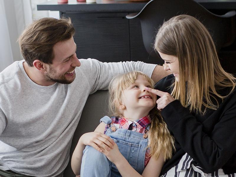 Hogyan fejlesztheted a gyerek érzelmi intelligenciáját? 4 fontos dolog, amire szülőként figyelj oda