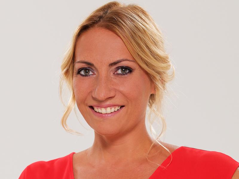 Gólyahír: Babát vár Valkó Eszter! Az RTL Klub 44 éves műsorvezetőnője első gyermekével várandós