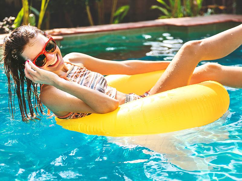 Sulival a fürdőbe 2019: Ezek a fürdők és strandok várják a diákokat különleges kedvezményekkel június 1-től!