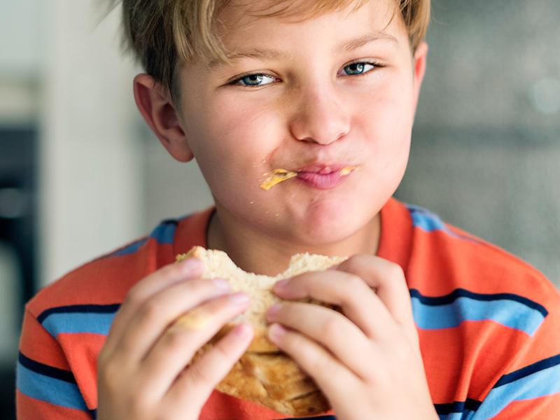 A kisiskolások harmada, a tinik fele nem reggelizik! - Miért káros a gyereknek a reggeli kihagyása? + Reggeli ötletek