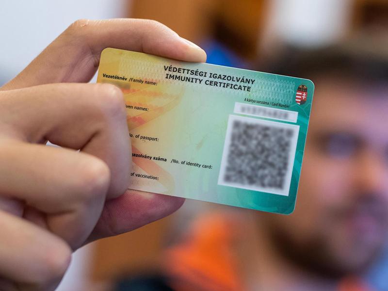 Szlávik: Legyen védettségi kártyához kötve bizonyos helyek